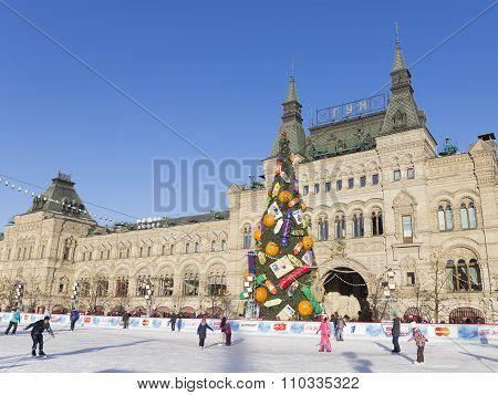 Kremlin Christmas Tree On Red Square