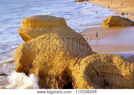 Tourists enjoying the evening sun on Pra