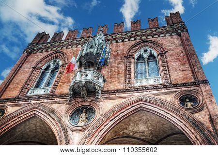 Palazzo Della Mercanzia In Bologna