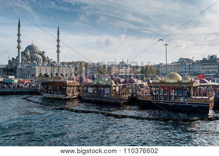 Eminonu in Istanbul, Turkey