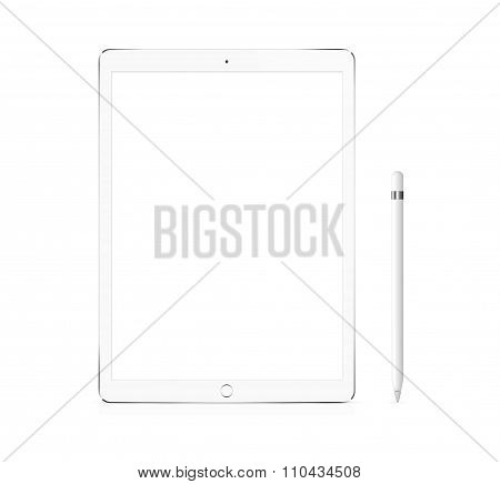 Silver Apple Ipad Pro Portable Device With Pencil
