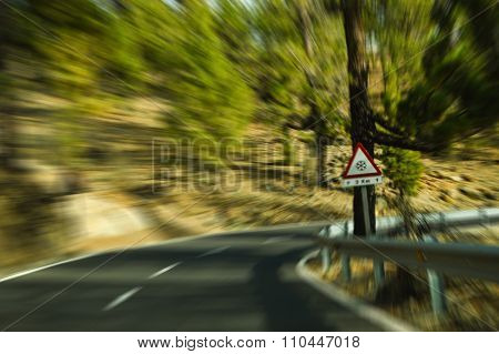 Bending road with moving effect
