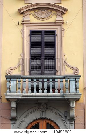 Renaissance balcony in Florence