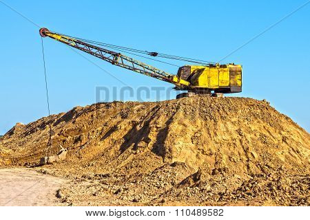 Extraction of clay for brick production shovels