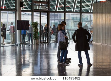 People blur in City Hall, Mayor of London