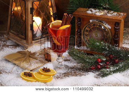 Mulled Wine With Cinnamon And An Orange.
