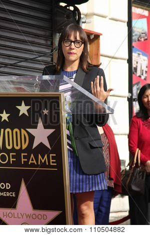 LOS ANGELES - DEC 3:  Rashida Jones at the Amy Poheler Hollywood Walk of Fame Ceremony at the Hollywood Blvf on December 3, 2015 in Los Angeles, CA
