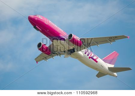 BUDAPEST, HUNGARY - NOVEMBER 11: Wizzair flight departing from Budapes (LHBP). It's a very popular low-cost airline in Middle-Eastern Europe.