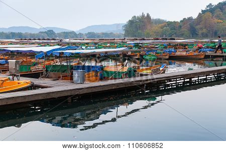 Traditional Chinese Wooden Recreation Boats