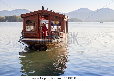 Traditional Chinese Wooden Passenger Boat