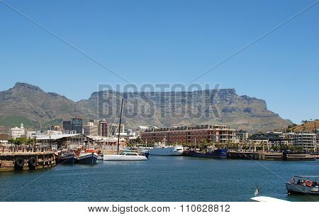 Recreation Boats, Downtown And Table Mountain In Cape Town, South Africa.