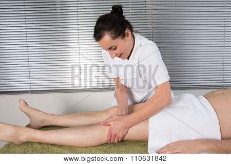 Reflexology Knee Massage, Spa Knee Treatment,thailand