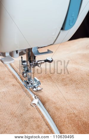 Sewing Machine And Zipper