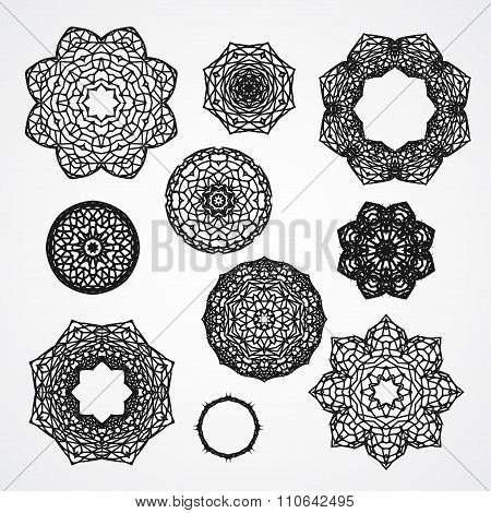 Set Of Gothic Circle Ornament Roses With Thorns In Vector, Isolated Black On White