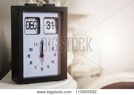 Thirtyfirst december and twelve o'clock