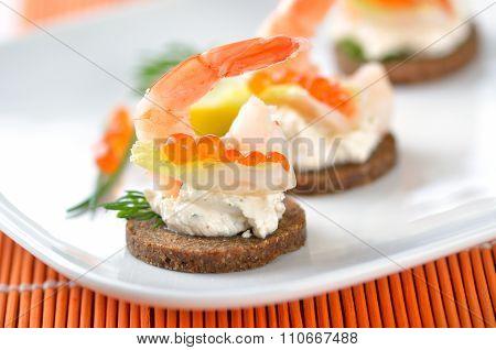 Snacks with prawns