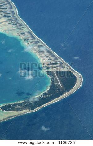 Atoll Airport