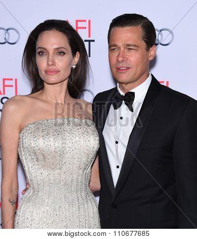 LOS ANGELES - NOV 5:  Angelina Jolie & Brad Pitt arrives to the