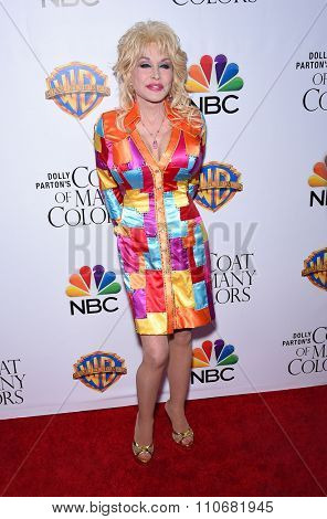 LOS ANGELES - DEC 02:  Dolly Parton arrives to the