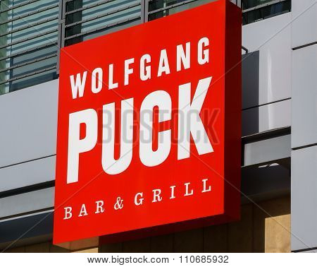 Wolfgang Puck Bar And Grill Exterior And Logo