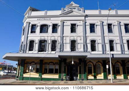 Fremantle Building Architecture: Old versus New