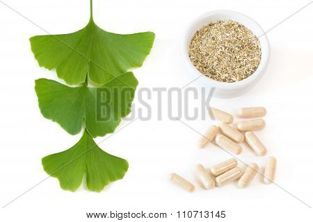 Ginkgo Capsules With Three Leaves