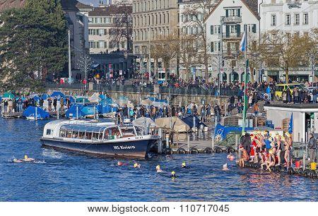 Limmatquai Quay During The Zurich Samichlaus-schwimmen Event