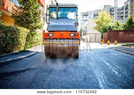 Road Repairing In Urban Modern City With Heavy Vibration Roller compactor