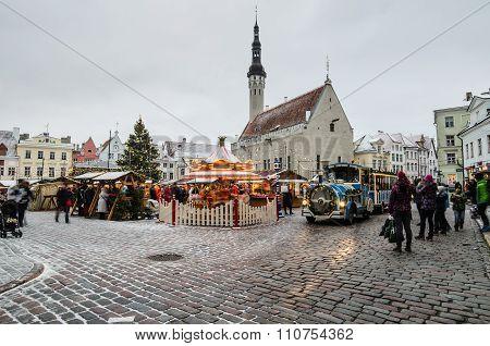 People enjoy Christmas market in Tallinn