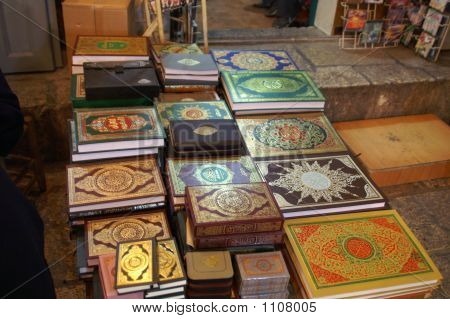 The Noble Qur'An (Koran) Books