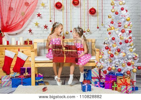 Joyful Girl Who Gave A Great Gift And Shout At Each Other