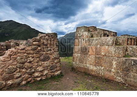 Inca masonry detail of walls at Pisac, Peru