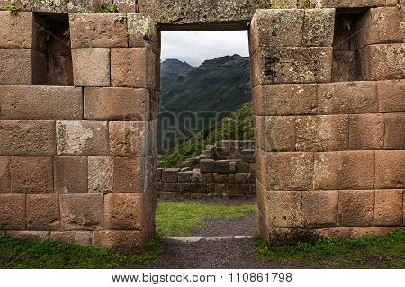 Inca masonry detail of wall and door at Pisac, Peru