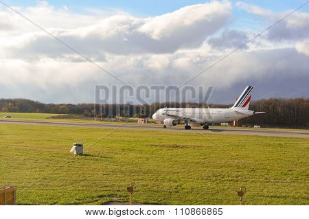 GENEVA, SWITZERLAND - NOVEMBER 19, 2015: Air France Airbus A320-200 at Geneva airport. Air France is the French flag carrier headquartered in Tremblay-en-France