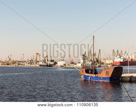 Varna, Bulgaria - 18 November, 2015: Yacht In The Sea Port Of Varna. November 18, 2015 In Varna, Bul