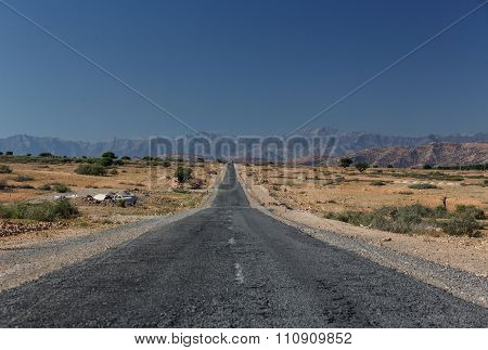 Road between Marrakesh and Ouarzazate