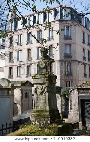 Cemetery Pere-lachaise