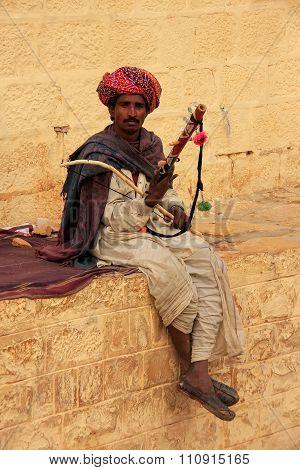 Jaisalmer, India - February 15: Unidentified Man Plays Ravanahatha On February 15, 2011 In Jaisalmer