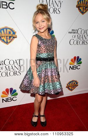 LOS ANGELES - DEC 4:  Alyvia Alyn Lind at the Dolly Parton's Coat Of Many Colors at the Egyptian Theater on December 4, 2015 in Los Angeles, CA