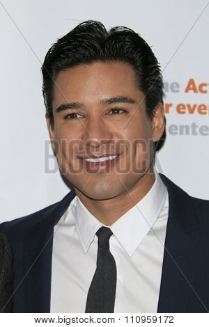 LOS ANGELES - DEC 3:  Mario Lopez at the The Actors Fund�¢??s Looking Ahead Awards at the Taglyan Complex on December 3, 2015 in Los Angeles, CA
