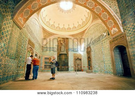 People Watching Fantastic Interior Of Royal Topkapi Palace With Colorful Tiles, Turkey