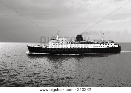 Liner Ship