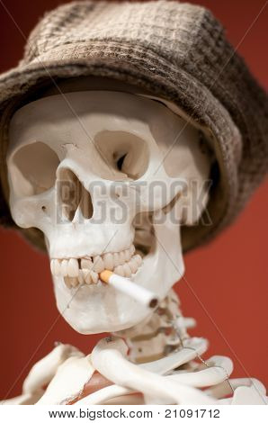 Smoking skeleton