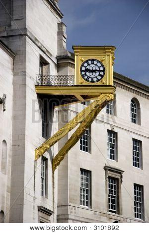 Golden Clock Leeds Civic Hall