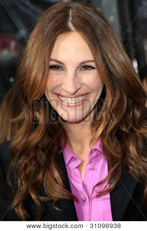 "LOS ANGELES - MAR 17:  Julia Roberts arrives at the ""Mirror, Mirror"" Premiere at the Graumans Chinese Theater on March 17, 2012 in Los Angeles, CA"