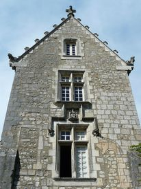 picture of poitiers  - Medieval stone house with ornate roof in Poitiers - JPG