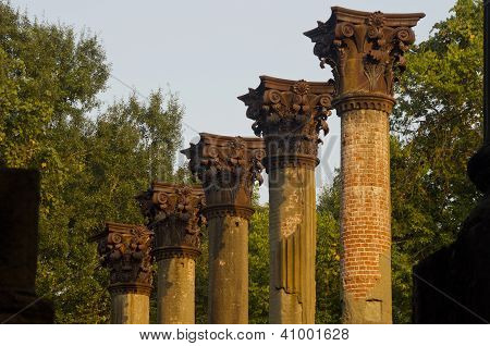 Windsor Ruin Pillars