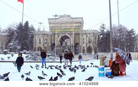 Main Gate of Istanbul University