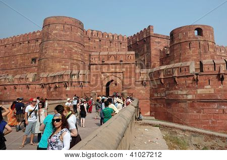 Crowd Of Tourists Entering  The Famous Agra Fort,India
