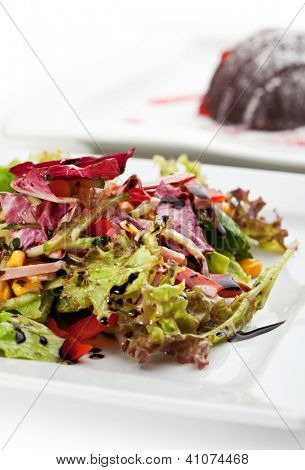 Mixed Salad Leaves with Fresh Vegetables